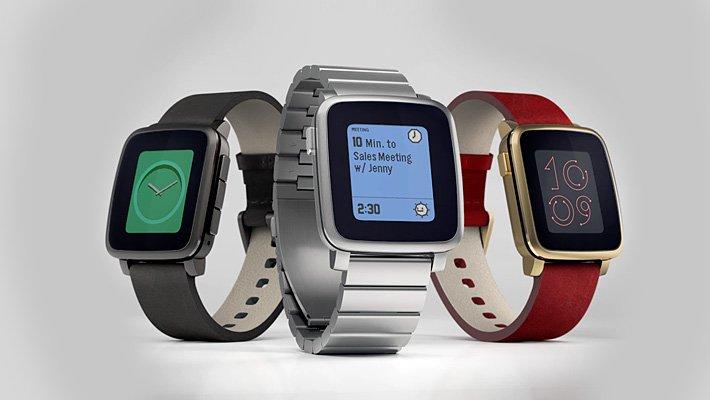 Konec chytrých hodinek Pebble. Novým majitelem je konkurenční Fitbit